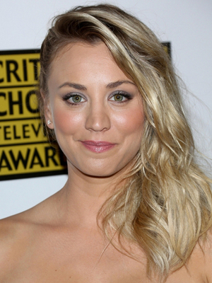 Kaley Cuoco Side Swept Hairstyle