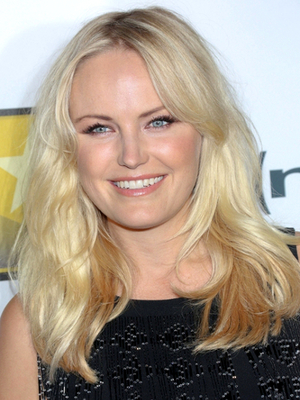 Malin Akerman Beachy Wavy Hairstyle