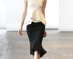 Take a peek at the elegant ensembles comprised in Donna Karan's resort 2014 line!