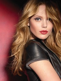 Frida Gustavsson is the New Face of Maybelline New York