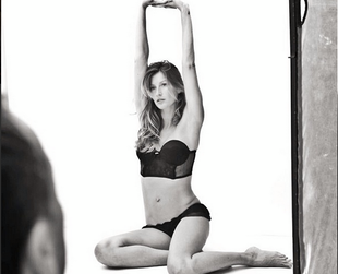 Brazilian bombshell Gisele Bundchen shows off the hottest lingerie styles from her Brazilian Intimates line. Have a look!