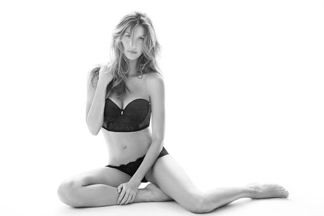 Gisele Bündchen Intimates   New Looks