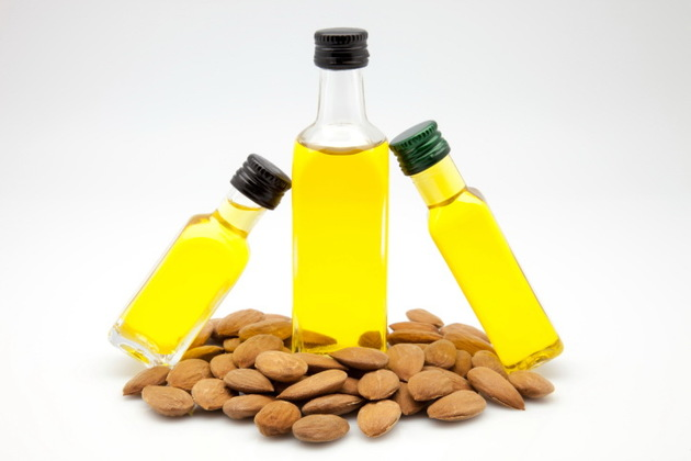 Almond Oil For Eyelash Dandruff