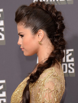 Selena Gomez Mtv Movie Awards 2013 Hairstyle