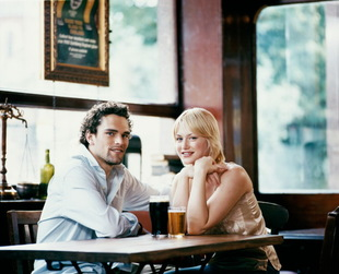 First dates can be tricky, but they're meant to help you learn more about the girl you're interested in. Discover the best 20 questions to ask a girl on a date.