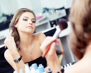 Hot and humid weather can wreak havoc on your makeup if you don't adapt it to the environment. Try the best makeup products and tips for heat and humidity.