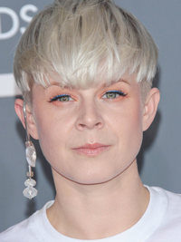 Robyn's Short Hairstyle