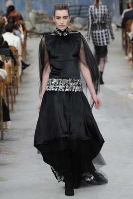 Chanel Couture Fall 2013 Look 43