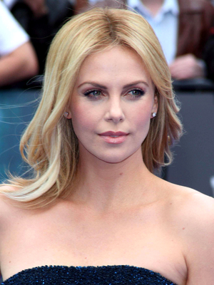 Charlize Theron Long Wavy Hairstyle