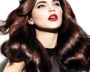 Bright red hues are back in trend, but dark red color remains a great option. Find out more about shades of dark red hair and the best ones for brunettes!