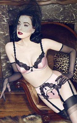 Dita Von Teese Von Follies 2013 Lingerie Look 7