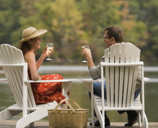 A great conversation is always a good sign on the first date, but it's not always simple and natural. Be prepared with the best first date conversation tips.