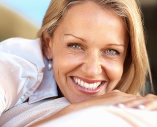 You can't fight off wrinkles forever, but with the right skin care regimen and make up, you can look younger. Find out how to look 10 years younger naturally.