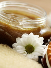 Natural Skin Lightening Tips and Recipes