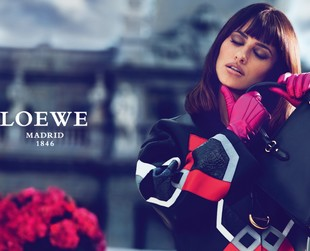 The new Loewe campaign for fall 2013 brings Penelope Cruz into the spotlight, who will also be designing the a new bag for the label. Get all the details!