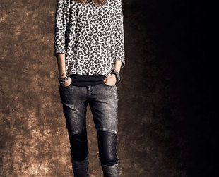 Freja Beha Erichsen shows off the hottest looks from Reserved for the fall season.
