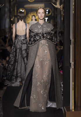 Valentino Haute Couture Fall Winter 2013 Collection 13)