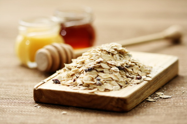 Oatmeal And Honey For Face Mask