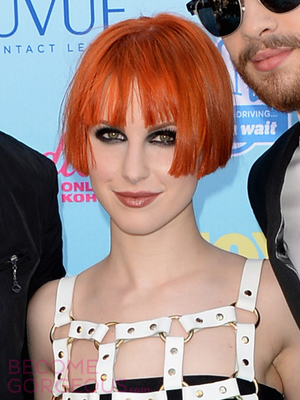 Hayley Williams New Short Bob Haircut