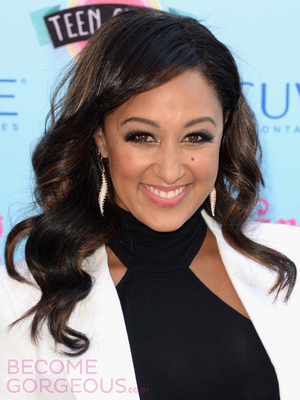 Tamera Mowry Glossy Waves Hairstyle