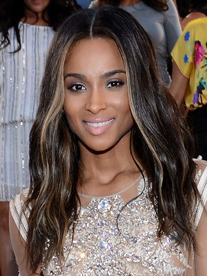 Ciara Wavy Hair With Blonde Highlights