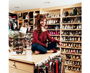 Fame and fortune translates into expensive homes and luxurious walk in closets for celebrities. Take a look at the some of the most amazing celebrity closets!