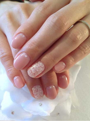 Natural Nail Art With Accent