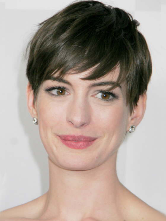 oblong face hairstyles men : ... bangs-or-no-bangs--celebrity-hairstyles/anne-hathaway-no-bangs