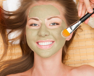 Learn about the most effective skin care ingredients to treat acne and various things you should bear in mind when choosing the right acne treatment.