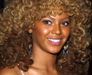 Celebrity hairstyles have always been a great source of inspiration, so if you're looking for a muse check out Beyonce's hairstyles as the singer has tried various looks and has always been praised for her feminine hairstyle choices.