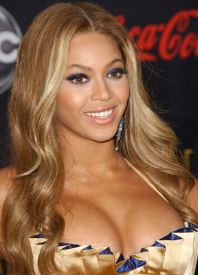 Beyonce Blonde Center Part Hairstyle
