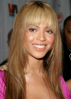 Beyonce Layered Blunt Bansg Hairstyle