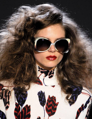 Big Curls Hairstyle Marc By Marc Jacobs