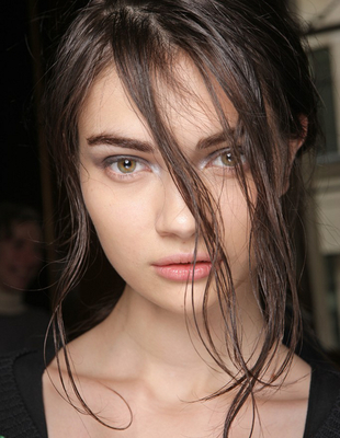 Wet Look Hair Julien Macdonald