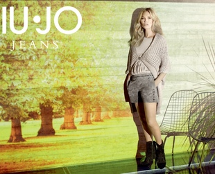British bombshell Kate Moss stars in the new Liu Jo fall/winter 2013-2014 campaign. Have a look!