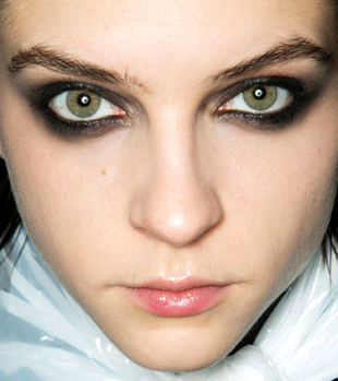 Grunge Inspired Smokey Eyes