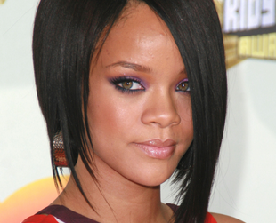 Rihanna's hair experiments have included plenty of long hairstyles that are a great source of inspiration. See some of the best Rihanna hairstyles for long hair.