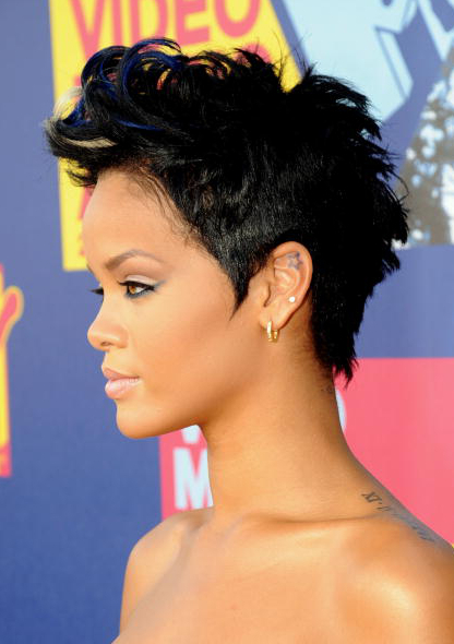 Pictures Rihanna S Short Haircuts Best Styles Over The