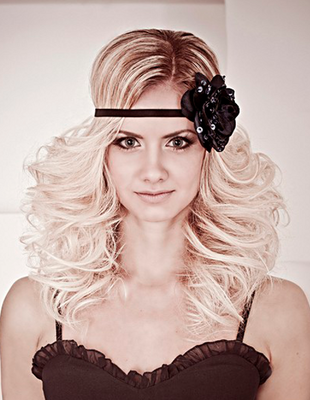 Holiday Party Hairstyles - Christmas and New Years Hairdos