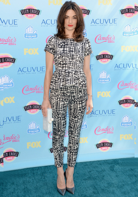 Crystal Reed Carolina Herrera Outfit