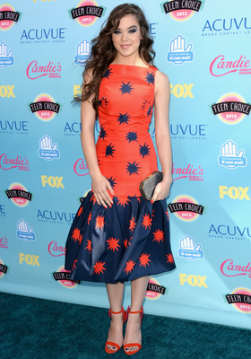 Hailee Steinfield House Of Holland Dress