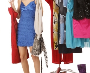 If you're heading towards your freshman year, you probably don't know very well what to pack for college. If so, try these wardrobe basics for college girls!