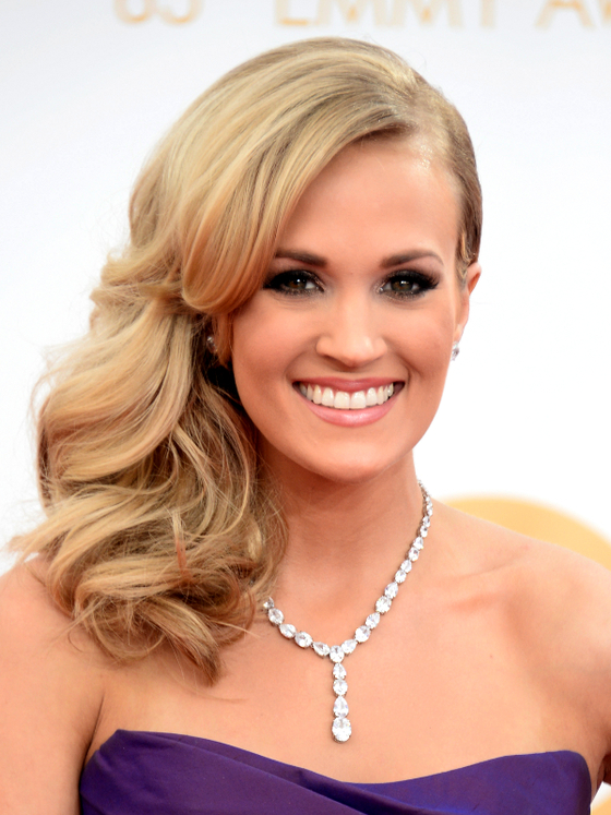 Pics For > Curly Side Ponytail Carrie Underwood