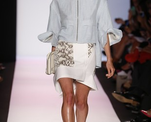 The first day of the New York Fashion Week spring 2014 brought an interesting set of alternatives from BCBG Max Azria. Check out the best looks from the label's new lineup.