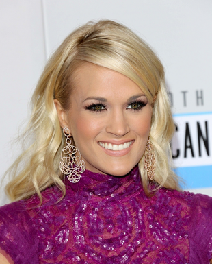 Carrie Underwood Curly Hairstyle With Bangs