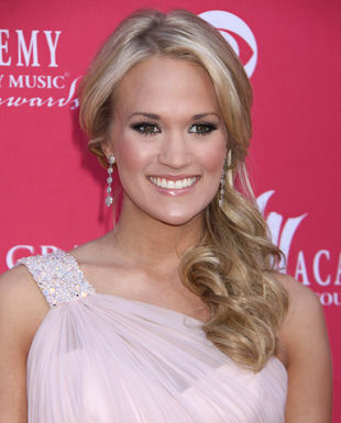 Carrie Underwood Curly Side Ponytail