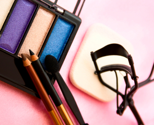 Ever wondered what makes eyeshadow shimmery? Or who invented nail polish? Check out our interesting facts about cosmetics and the earliest beauty rituals.