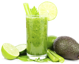 Green smoothie diets are all the rage right now, but plan carefully, to avoid health problems. Lose weight at your own pace with a balanced green smoothie diet.