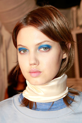 Blue Eye Makeup Spring 2014
