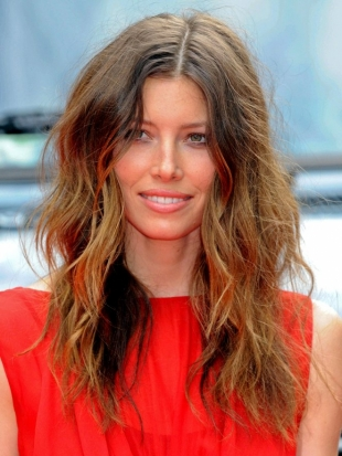 Jessica Biel Tousled Layered Hairstyle